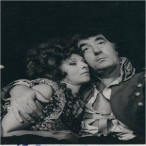 Mariana Mihut si Toma Caragiu in Revizorul, arhiva Teatrul Bulandra