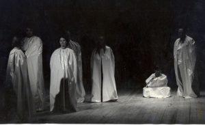 Regele Lear, regia Radu Penciulescu- scena de grup