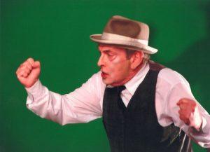 Csíky András în spectacolul Jacques sau supunerea de E. Ionesco, regia Tompa Gábor, Teatrul Maghiar de Stat Cluj, 2003. Sursă foto: https://www.huntheater.ro/ro/spectacol/1/jacques-sau-supunerea/