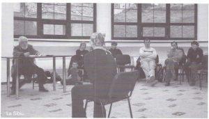 """David Esrig la Sibiu; sursă foto: Andreea Dumitru, David Esrig: """"Teatrul românesc e într-o fază de fierbere, de căutare, de adfirmare, care trebuie fortificată..."""" în revista Teatrul azi nr. 1,2/2007"""