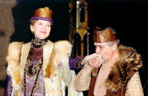 Leul în iarnă de James Goldman, regia Petre Bokor, premiera: 08.12.2001, Teatrul Naţional 'Ion Luca Caragiale' - Bucureşti, sursa: https://www.tnb.ro/ro/carmen-stanescu