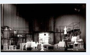 Decorul spectacolului Efectul razelor gamma asupra anemonelor (1977- Teatrul Mic)