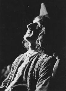 Gheorghe Dinică în Nepotul lui Rameau, regia David Esrig, sursa foto: Teatrul Bulandra