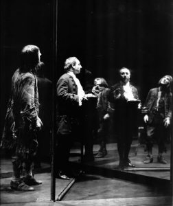 Gheorghe Dinică și Marin Moraru în Nepotul lui Rameau, regia David Esrig sursa foto: Teatrul Bulandra