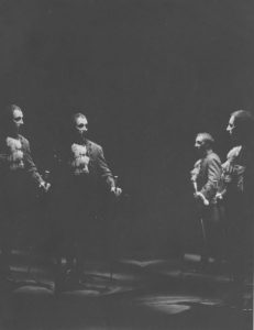 Marin Moraru în Nepotul lui Rameau, regia David Esrig sursa foto: Teatrul Bulandra