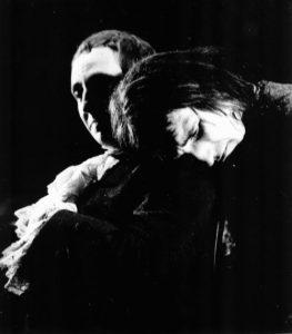 Marin Moraru și Gheorghe Dinică în Nepotul lui Rameau, regia David Esrig sursa foto: Teatrul Bulandra