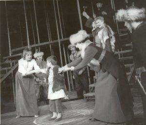Sanda Toma Iarina Demian in Cercul de creta caucazian, 1977