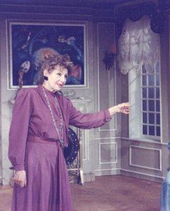 Locomotiva dé Andre Roussin, regia Mihai Manolescu, premiera: 04.01.1994, Teatrul Naţional 'Ion Luca Caragiale' - Bucureşti, sursa: https://www.tnb.ro/ro/carmen-stanescu
