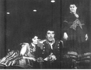 Toma Caragiu, Tamara Buciuceanu în Revizorul, regia Lucian Pintilie, 1974, Teatrul Lucian Sturdza Bulandra, București, sursa luceafarul.net