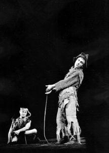 Scene din spectacolul Troilus şi Cresida de William Shakespeare - Teatrul de Comedie Bucureşti, data premierei: 20.03.1965