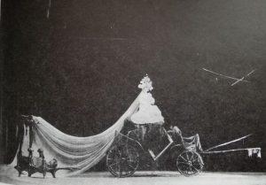 Vizita bătrânei doamne, 1963
